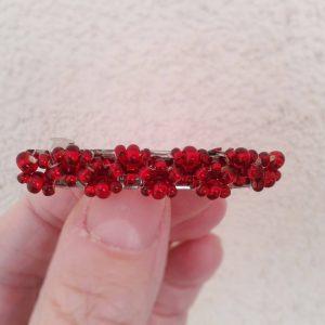 czerwone koraliki- spinka do włosów