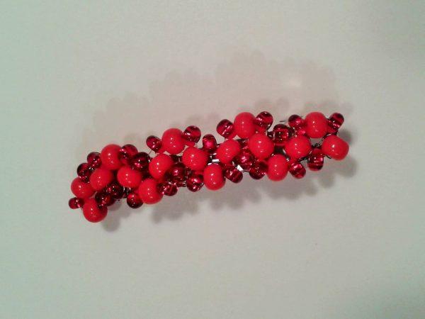 czerwona spinka do włosów