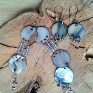 biżuteria z masy perłowej