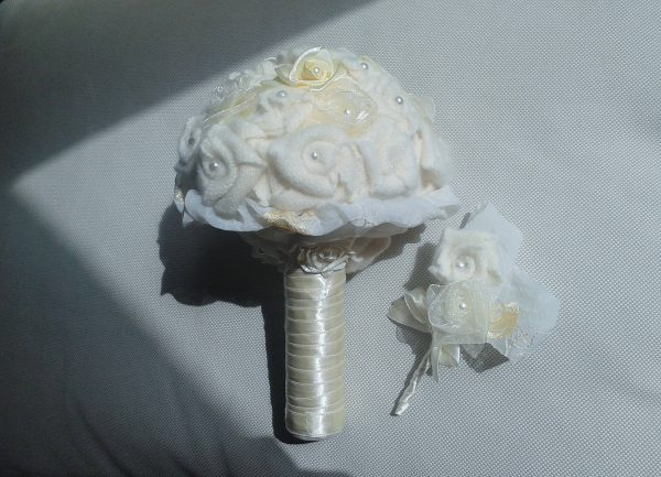 bukiet ślubny eco róże