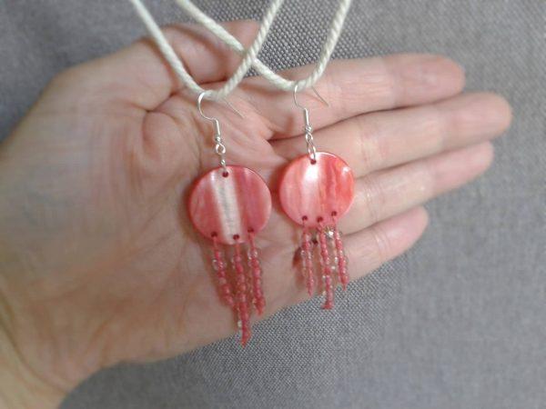 kolczyki wiszace różowa masa perłowa