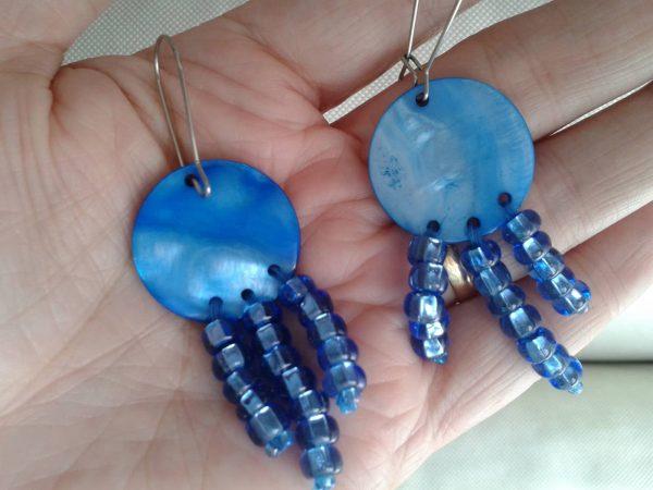 kolczyki niebieskie koła z masy perłowej