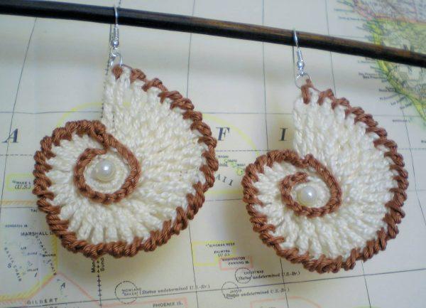 kolczyki szydełkowe muszle z perłą