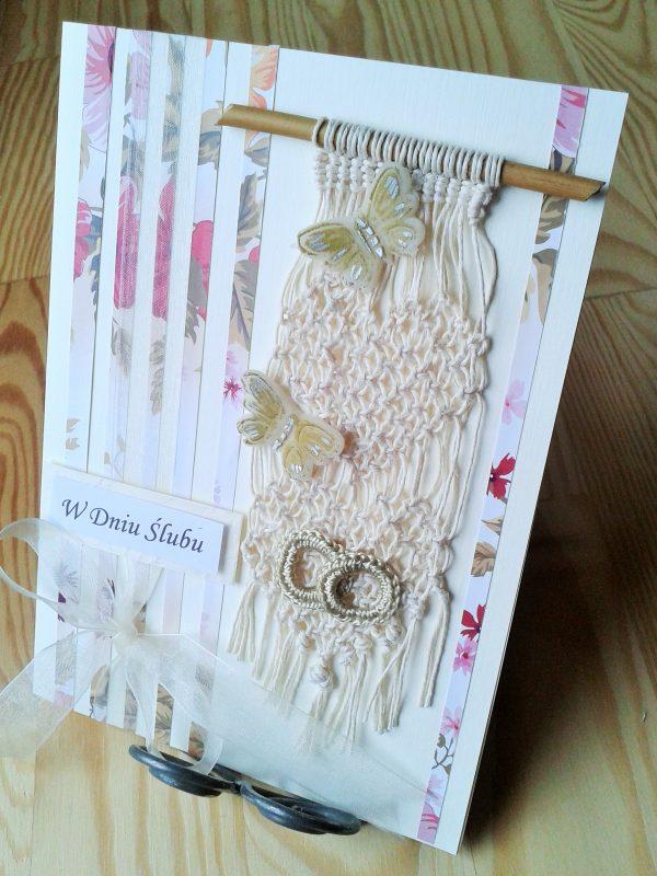 kartka ślubna z sercami i motylkami