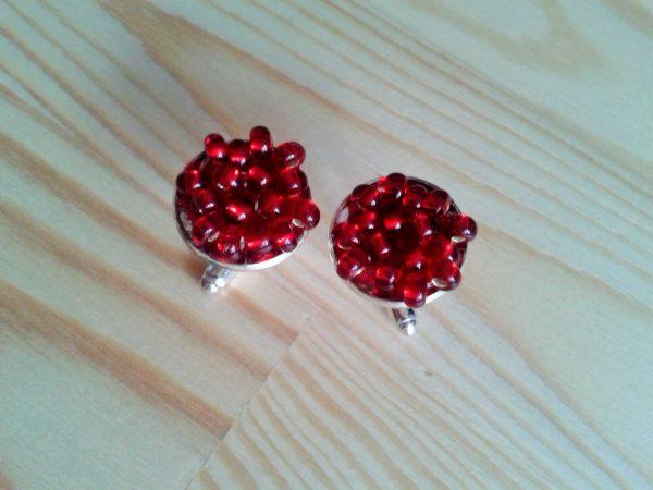 czerwone spinki do mankietów