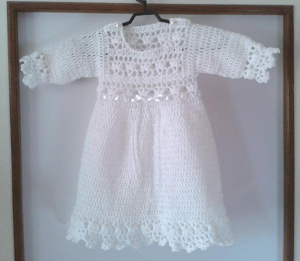 biała sukienka niemowleca szydełkowana
