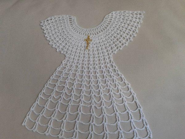 biała szata sukienka do chrztu