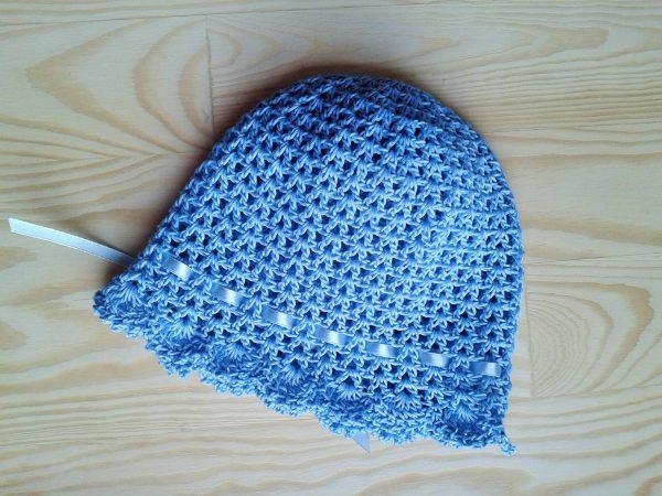 niebieski kapelusik niemowlęcy