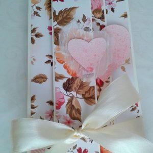 kartka z kwiatami i sercami