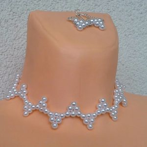 naszyjnik-i-kolczyki-z-perelek-trojkaty