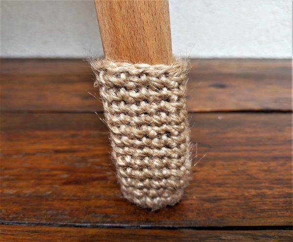 Jutowe skarpetki ochronne na nogi krzesła