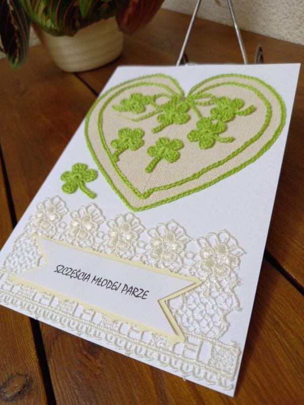 Kartka ślubna z sercem i koniczynkami
